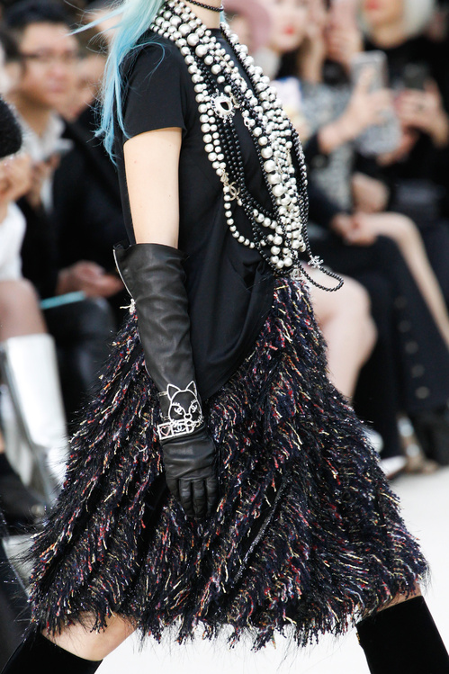 chanel_fw_2016___1__jpg_8952_north_499x_white